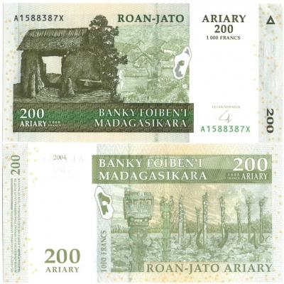 Madagaskar - bankovka 200 ARIARY/1000 FRANCS 2004 UNC