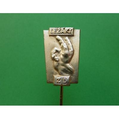 Ležáky - 25. výročí vypálení obce, odznak jehla