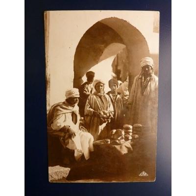 Afrika - Postkarte Le Marchand de Pain