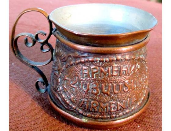 Historický měděný šálek na kávu - Arménie