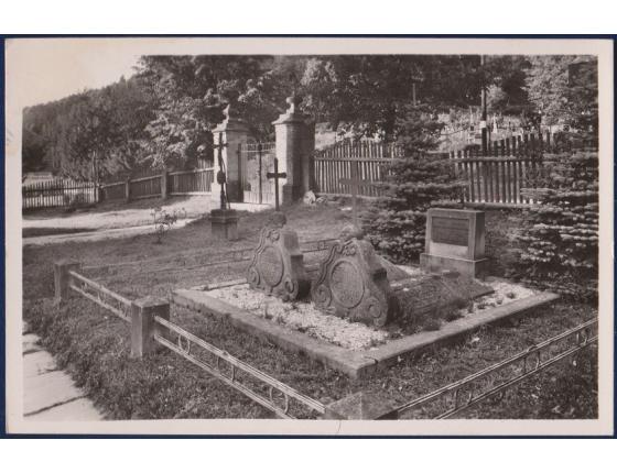 Československo - Valašská Bystřice, Starobylé hroby portášů, národních četníků, ochránců Valašských hor