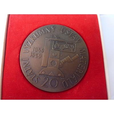 Tschechoslowakei - 20. Jahrestag des Forschungsinstitut für Material, Medaille mit Widmung 1969
