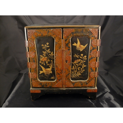 Small cabinet with Japanese fabric painting