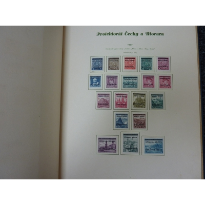 Sbírka známek Protektorát Čechy a Morava v kožených deskách