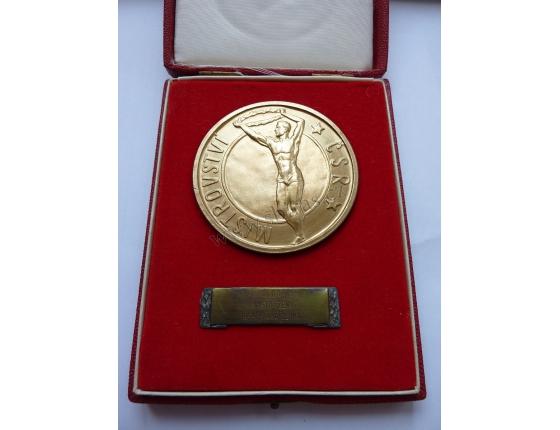 Zlatá medaile z mistrovství ČSR v judu 1954