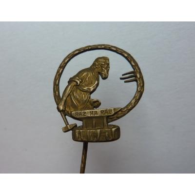 Ráz na ráz - historický odznak kovář